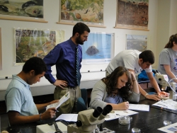 Model Students Study at EKU Zoology Lab